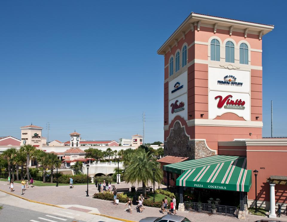Orlando Premium Outlets International Drive Holiday sale